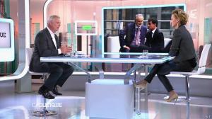 Caroline Roux dans C Politique - 19/10/14 - 039