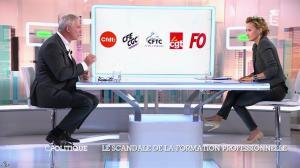 Caroline Roux dans C Politique - 19/10/14 - 043