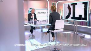 Caroline Roux dans C Politique - 19/10/14 - 049