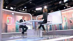 Caroline Roux dans C Politique - 19/10/14 - 050