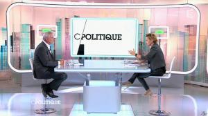 Caroline Roux dans C Politique - 19/10/14 - 063