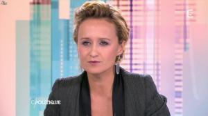 Caroline Roux dans C Politique - 19/10/14 - 064