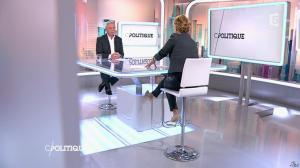Caroline Roux dans C Politique - 19/10/14 - 071