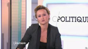 Caroline Roux dans C Politique - 19/10/14 - 075