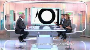 Caroline Roux dans C Politique - 19/10/14 - 086