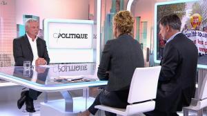 Caroline Roux dans C Politique - 19/10/14 - 089