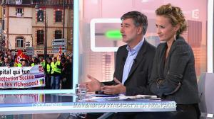 Caroline Roux dans C Politique - 19/10/14 - 090