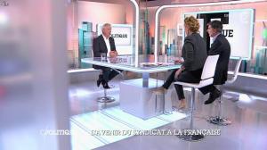 Caroline Roux dans C Politique - 19/10/14 - 094