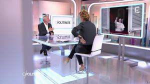 Caroline Roux dans C Politique - 19/10/14 - 099