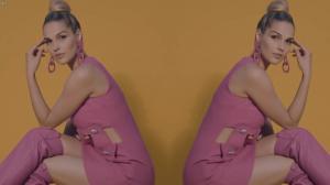 Camille Lou dans Teaser de Love Me Baby - 25/10/17 - 04