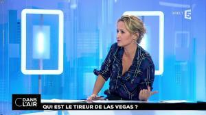 Caroline Roux dans C dans l'Air - 03/10/17 - 04