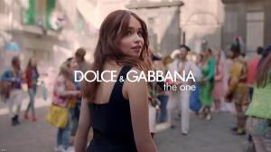 Emilia Clarke dans une Publicité pour Dolce And Gabbana The One - 06/10/17 - 01