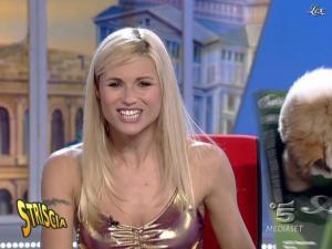 Michelle Hunziker dans Striscia La Notizia - 18/10/06 - 08