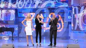 Paola Cortellesi et Michelle Hunziker dans Zelig - 20/01/12 - 08