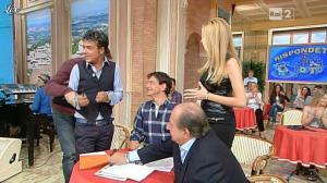 Adriana Volpe dans I Fatti Vostri - 11/10/11 - 102