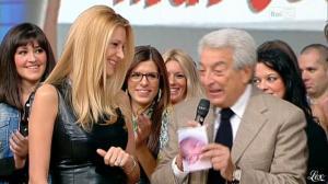 Adriana Volpe dans I Fatti Vostri - 11/10/11 - 18
