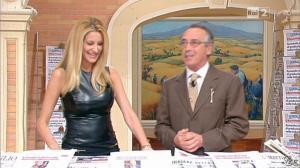 Adriana Volpe dans I Fatti Vostri - 11/10/11 - 22