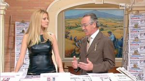 Adriana Volpe dans I Fatti Vostri - 11/10/11 - 26