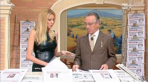 Adriana Volpe dans I Fatti Vostri - 11/10/11 - 45