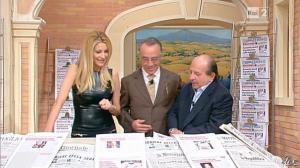 Adriana Volpe dans I Fatti Vostri - 11/10/11 - 47