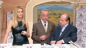 Adriana Volpe dans I Fatti Vostri - 11/10/11 - 50