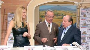 Adriana Volpe dans I Fatti Vostri - 11/10/11 - 52