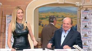 Adriana Volpe dans I Fatti Vostri - 11/10/11 - 53