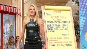 Adriana Volpe dans I Fatti Vostri - 11/10/11 - 63
