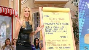 Adriana Volpe dans I Fatti Vostri - 11/10/11 - 64