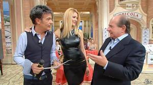 Adriana Volpe dans I Fatti Vostri - 11/10/11 - 84