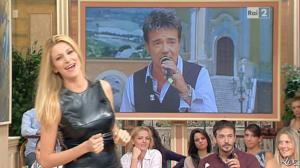 Adriana Volpe dans I Fatti Vostri - 11/10/11 - 86