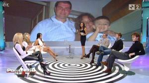 Caterina Balivo et une Inconnue dans Pomeriggio Sul Due - 09/12/10 - 01