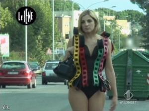 Elena Di Cioccio dans le Iene - 02/12/08 - 12