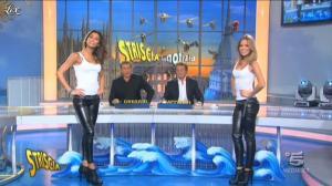 Federica Nargi, Costanza Caracciolo et Veline dans Striscia la Notizia - 31/10/11 - 02