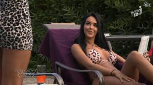 Nabilla Benattia et Laura Coll dans Hollywood Girls - 26/10/12 - 08