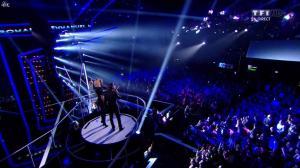 Adriana Karembeu dans NRJ Music Awards - 14/12/13 - 01