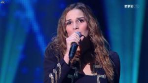 Camille Lou dans NRJ Music Awards - 14/12/13 - 01