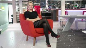 Karin Viard dans C à Vous - 15/01/14 - 02