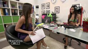 Nabilla Benattia et Laura Coll dans Hollywood Girls - 05/12/13 - 14