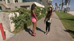 Nabilla Benattia et Laura Coll dans Hollywood Girls - 17/12/13 - 04