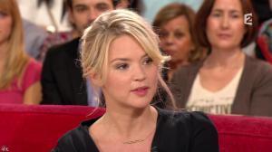 Virginie Efira dans Vivement Dimanche - 27/10/13 - 04