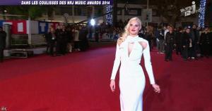 Camille Lou dans les Coulisses des NRJ Music Awards - 19/12/14 - 05