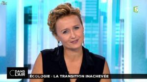 Caroline Roux dans C dans l Air - 17/10/14 - 01