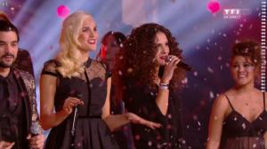Elisa Tovati et Camille Lou dans NRJ Music Awards - 13/12/14 - 03