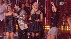 Tal, Elisa Tovati et Camille Lou dans NRJ Music Awards - 13/12/14 - 09