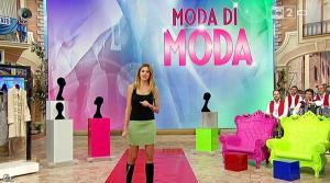 Adriana Volpe dans I Fatti Vostri - 18/11/15 - 02