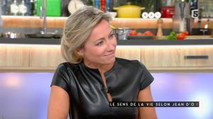 Anne-Sophie Lapix dans C à Vous - 04/11/16 - 21