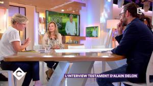 Anne-Elisabeth Lemoine dans C à Vous - 19/01/18 - 04