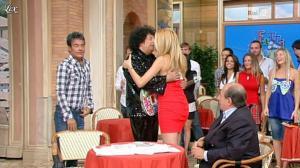 Adriana Volpe dans I Fatti Vostri - 04/10/11 - 10