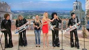 Adriana Volpe dans I Fatti Vostri - 04/10/11 - 12